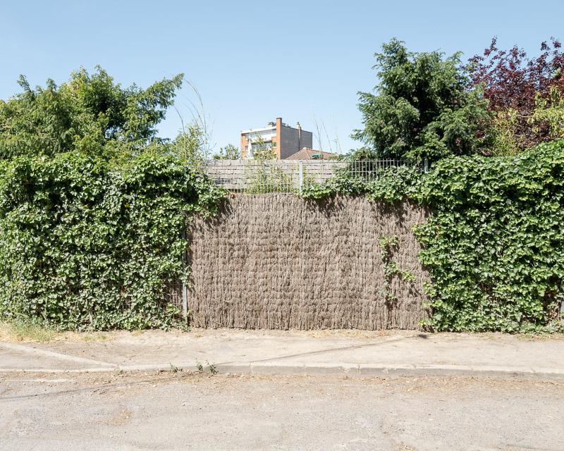 Espace vital, espace privé et espace public, clôture et immeuble